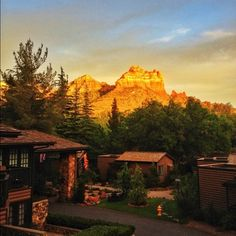 Lovely sunset on Snoopy Rock ending an exceptional Saturday in #Sedona.  Photo by RCP Photography