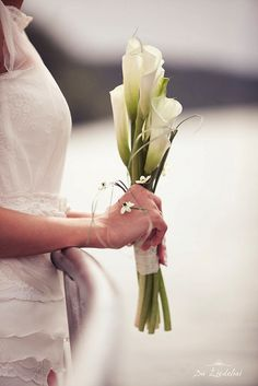 Bridal Bouquet with Callas / www.duziedeliai.lt / http://www.facebook.com/Ziedeliai