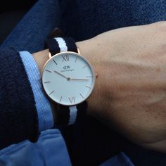 Best christmas present!! Daniel Welling watch in rose gold with a blue and white bracelet. Beautiful! #danielwellington #watch #look #ootd #fashionblog #mode #fashion #uhr