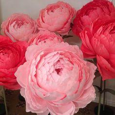 Купить Бумажные цветы на подставках.АРЕНДА в интернет магазине на Ярмарке Мастеров