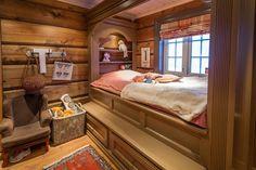 UGLA - Noen ganger går drømmer i oppfyllelse. Building A Cabin, Ski Chalet, New Homes, Real Estate, Rustic, Furniture, Design, Home Decor, Mountain
