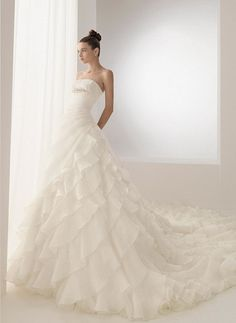 Organza Strapless Neckline New Hot Sell New Ivory Wedding Dress