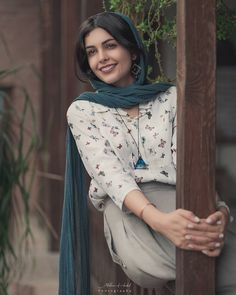 Image may contain: one or more people Iranian Beauty, Muslim Beauty, 10 Most Beautiful Women, Beautiful Muslim Women, Iranian Women Fashion, Muslim Fashion, Iran Girls, Persian Beauties, Persian Girls