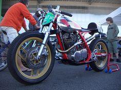 xt500 racer Sr 500, Street Tracker, Classic Bikes, Bike Design, Road Racing, Scrambler, Motorbikes, Cars Motorcycles, Yamaha