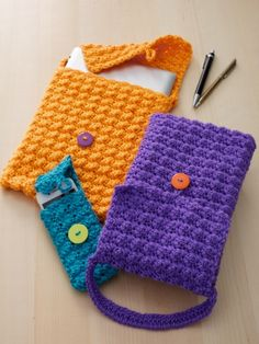 Cell Phone or Tablet Cozy | Yarn | Free Knitting Patterns | Crochet Patterns | Yarnspirations.  Link to PDF pattern here: http://www.yarnspirations.com/pattern/crochet/cell-phone-or-tablet-cozy