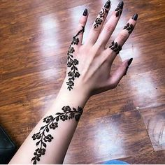Floral Latest Mehndi Designs 2019 For Hands, There is the growing trend of mehndi designs, also known as henna tattoo designs which is now the main element for women. Mehndi Designs Finger, Henna Tattoo Designs Simple, Arabic Henna Designs, Mehndi Designs 2018, Unique Mehndi Designs, Mehndi Designs For Fingers, Beautiful Henna Designs, Beautiful Mehndi, Mehandi Designs