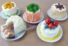 Mini Sandwich Cake - a sandwich decorated with a savory frosting and topped with vegetables, fruits, meat, cheese, or nuts. Deli Sandwiches, Pull Apart Cupcake Cake, Cupcake Cakes, Ideas Sándwich, Food Ideas, Flaky Biscuits, Scandinavian Food, Sandwich Cake, Almond Cakes