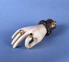 1600 Italian Ivory hand amulet
