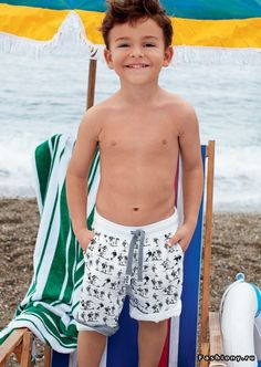 Children are as much a part of the beach as the grains of sand. So hit the beaches this summer with the classic styling of Dolce & Gabbana Children's Beachwear. The beachwear collection is fun and stylish, perfect to please kids and parents alike. Dolce And Gabbana 2016, Boy Outfits, Cute Outfits, Happy Children's Day, Boys Swimwear, Summer Kids, Spring Summer, Winter Collection, Boy Fashion