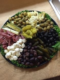 Perfect for holiday parties. Perfect for holiday parties. Party Food Platters, Party Dishes, Food Trays, Fruit Trays, Finger Food Appetizers, Appetizer Recipes, Mezze, Relish Trays, Tapas