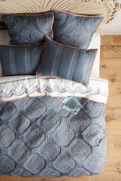 I've added a new product to my 'Beautiful Bedding - Pillows, duvet covers and more' store on Social Superstore - check it out here This great grey and white bedding looks great for a bedroom space. Studio Apartments, Studio Apartment Bed, Apartment Living, Grey And White Bedding, Blue Bedding, Bedding Sets, Floral Bedding, Anthropologie Bedding, Anthropologie Home
