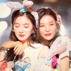 Seulgi, K Pop, Kpop Girl Groups, Kpop Girls, Chica Cool, Red Velvet Irene, Black Velvet, Girl Cakes, Cake Girls