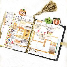 """""""My first fall spread for this year ! I absolutely love it ! So happy to be decorating in orange and brown colors !  video on this spread will be live today, I'll let you know when !"""" Photo taken by @karolinaskrafts on Instagram.   #plannerorganization #planning #plannerideas #hellooctober #halloween #planwithme #erincondren"""