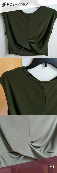 Olive green crop top Green crop top from Forever 21. Purchased from another posher but didn't fit. Size large. Great condition. Forever 21 Tops Crop Tops