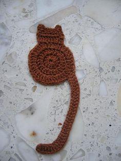 """crochet cat bookmark ~ free pattern from """"Cute & Kaboodle"""" Crochet Bookmark Pattern, Crochet Motif, Crochet Flowers, Free Crochet, Knit Crochet, Crochet Patterns, Easy Crochet Bookmarks, Crochet Appliques, Ravelry Crochet"""