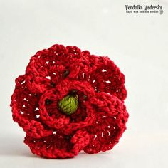 Crochet poppy flower brooch pattern DIY by VendulkaM on Etsy Crochet Brooch, Crochet Motif, Diy Crochet, Crochet Crafts, Crochet Puff Flower, Knitted Flowers, Crochet Flower Patterns, Crochet Poppy Free Pattern, Poppy Craft
