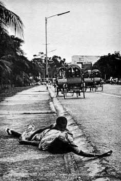 Bangladesh War, 1971 Independence War, East Pakistan, Screen Doors, War Image, Poor Children, Travel And Tourism, The Past, Asia, Around The Worlds