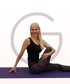 Yoga Online Kurse via Video Konferenz. - Yoga von zu Hause oder jedem x-beliebigen Ort. - Einfache Teilnahme via App vom PC, Laptop oder Handy - Alle Kurse sind auch einzeln (ohne QuartalsAbo) buchbar - Gratis WebEx - Support für Teilnehmer *innen mit Abo - Beschränkte Teilnehmerzahl, so dass auf die Teilnehmer individuell eingegangen werden kann. Yoga Nidra, Hatha Yoga, Yin Yoga, Yoga Online, Yoga Kurse, Trainer, Tank Tops, Videos, Formal Dresses