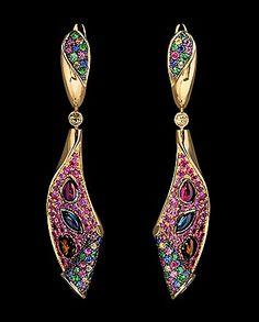 Mousson atelier, collection Oriental - Magic Carpet, ear pendants, Yellow gold 750, Multicolored tourmalines, Multicolored sapphires, Tsavorites
