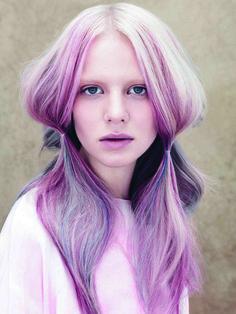 Voglio i capelli rosa. Sono il nuovo biondo. http://www.thebeautypost.it/9903-capelli-rosa-il-nuovo-biondo/  #capellirosa #haircare