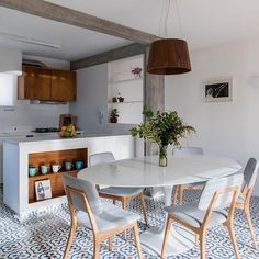 √ Scandinavian Kitchen Design For Your Lovely Home - Boxer JAM Living Room On A Budget, Small Living Rooms, Interior Design Kitchen, Kitchen Decor, Kitchen Layout, Dinner Room, Decoration Inspiration, Inspiration Design, Scandinavian Kitchen