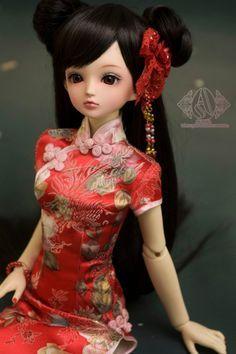 Pictures from Asprim Chinese cheongsam share - heap Sugar; Geisha, Pretty Dolls, Beautiful Dolls, Ooak Dolls, Barbie Dolls, Chinese Dolls, Enchanted Doll, Cute Baby Dolls, Asian Doll