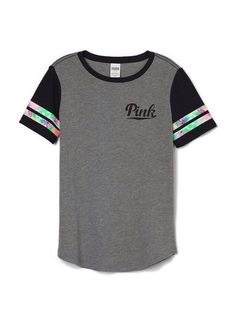 IOS been looking for these shirts or similar ! Have been looking for these Victoria secret shirts or similar . Pink Outfits, Casual Outfits, Cute Outfits, Winter Outfits, Victoria Secret Outfits, Victoria Secret Pink, Victoria Secrets, Visual Kei, Teen Girl Gifts