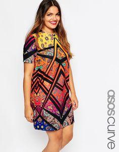 Immagine 1 di ASOS CURVE - Vestito T-shirt con stampa geometrica Vestiti Di  Dimensioni bf7bbbe785d