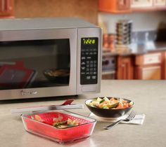 Steamy Kitchen - Win a Magic Chef Microwave Cookware Set - http://sweepstakesden.com/steamy-kitchen-win-a-magic-chef-microwave-cookware-set/