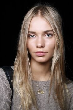 How To Get Flawless Skin: makeup and skincare products to get beautiful skin with minimal work.