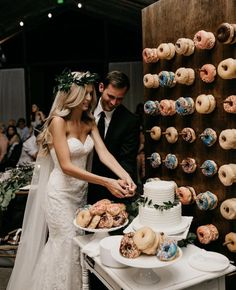 How great is this donut display near the wedding cake? Love it!