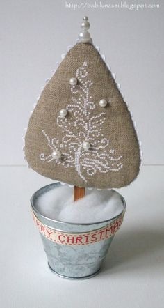 Another way to finish a Christmas tree.