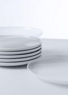 SHIRO for SCHÖNWALD - Diez Office Shiro, Design Awards, White Porcelain, Industrial Design, Plates, Tableware, Licence Plates, Dishes, Dinnerware