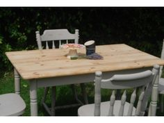 COUNTRY SHABBY FARMHOUSE CHIC KITCHEN PINE DINING TABLE & FOUR CHAIRS Walton on Thames Picture 7