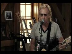 Joe Walsh - great music, talk, food: Live From Daryl's House 11.15.2012. He's from my home town! YouTube