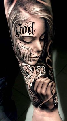 52 Impressive Arm Tattoo Designs For Men And Women; arm tattoos for women; arm tattoos for guys; arm tattoos for women forearm; arm tattoos for women upper Tattoos Masculinas, Chicanas Tattoo, Skull Girl Tattoo, Cool Arm Tattoos, Neue Tattoos, Bild Tattoos, Best Sleeve Tattoos, Skull Tattoos, Body Art Tattoos
