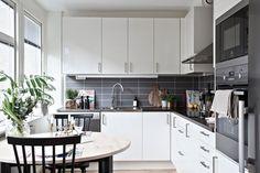 Jurnal de design interior: Amenajare practică într-o garsonieră dublă de 48 m²