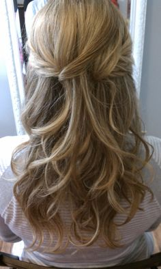 (Bridal Hair Half up Half Down. Very close to what I want to do) joy, this could totally work for you, see the little twist braid things!!!  @ http://seduhairstylestips.com