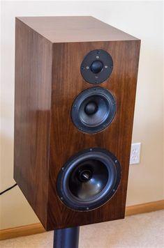 DIY Speaker Kits for home/car audio and home theater Diy Speaker Kits, Speaker Plans, Speaker Box Design, Diy Speakers, Bookshelf Speakers, Built In Speakers, Hifi Audio, Car Audio, Floor Standing Speakers