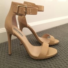 "STEVE MADDEN MARLENEE HEEL (NWOT) STEVE MADDEN MARLENEE HIGH HEEL.              Heel Hight=4.5"", Platform=.5"" (no longer sold by Steve Madden) NEVER WORN!!! NO TRADES!! Steve Madden Shoes Heels"