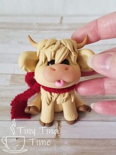 """The """"Mini Moo"""" Polymer Clay Sculpture Polymer Clay Figures, Polymer Clay Sculptures, Cute Polymer Clay, Polymer Clay Animals, Cute Clay, Polymer Clay Dolls, Polymer Clay Projects, Polymer Clay Creations, Sculpture Clay"""