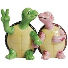 Holding Hands Turtles Salt and Pepper Shakers