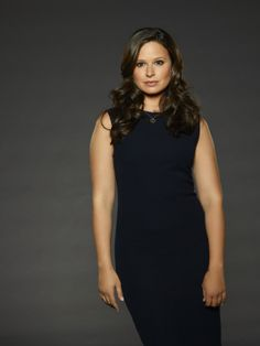 Katie Lowes as Quinn Perkins on Scandal Season 3