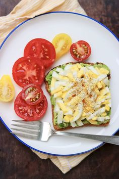 Spring & Summer Avocado Toast — A simple twist makes this protein-rich meal refreshingly delicious-and extra easy. Avocado Toast, Avocado Recipes, Healthy Recipes, Healthy Food, Avocado Ideas, Egg Recipes, Healthy Eating, Cooking Recipes, Egg Preparations