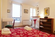 Studio vacation rental in Paris from VRBO.com! From €55/night .. €350/week($430 wk) .5 nights minimum on all rentals, April is high season