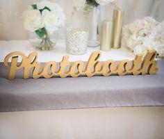 """Hochzeit Photo Booth Sign - freistehende """"Photobooth"""" - hölzerne Hochzeit Zeichen für Rezeption Dekor (Item - TPB100) von ZCreateDesign auf Etsy https://www.etsy.com/de/listing/207782112/hochzeit-photo-booth-sign-freistehende"""