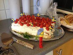 Schools out at Svedenskolan Visit Israel, Tweety, Schools, Travelling, Cake, Desserts, Food, Tailgate Desserts, Deserts