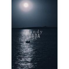 """#Moonlight 2 L'opera """"Sailing at the midnight"""" di Alberto Fanelli appartiene alla #collezione #Notturno. Le #fotografie notturne sanno sempre colpire l'animo di chi le osserva. Bastano solo pochi elementi: il #mare, la #luna e la #sagoma di un peschereccio. L'immagine si concentra nella parte alta del fotogramma; è un climax iperbolico di pathos e ricordi che affollano la mente. #Grecia, 2014."""