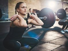 Adults should lift weights twice a week to stay fit and healthy, according to new national guidelines.Top doctors state that muscle strengthening exercises could help delay the natural decline in muscle mass and bone density that starts from around age Ketogenic Diet Resource, Cyclical Ketogenic Diet, Ayurveda, Good Running Form, Bodybuilding Diet, Diets For Women, Injury Prevention, Trainer, Aerobics