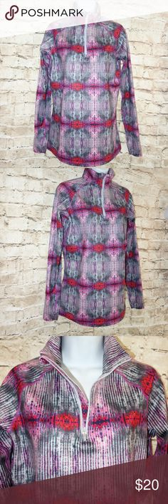 Nike Pro Combat 1/4 Zip Athletic Work Out Shirt Nike Pro Combat 1/4 Zip Athletic Work Out Shirt Women L Fitted Long Sleeve t4 Preowned in excellent condition Looks like new Multi colored abstract pattern 1/4 zip Thumb holes Great for all athletic or casual wear Women L No rips, tears or stains I have other items like this listed thank you for looking! Nike Tops